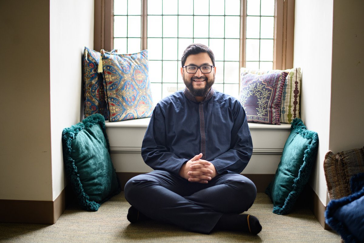 Imam Sohaib Sultan smiling, a lesson on suffering with grace